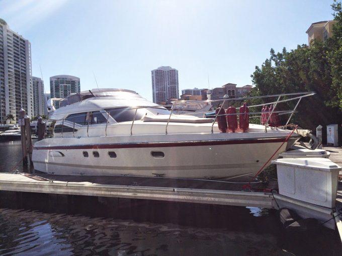 Boat & Yacht Vinyl Striping Miami, Fort Lauderdale, Davie & Palm Beach Florida