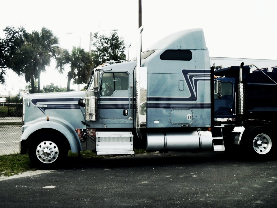 Semi Truck: Semi Truck Graphics